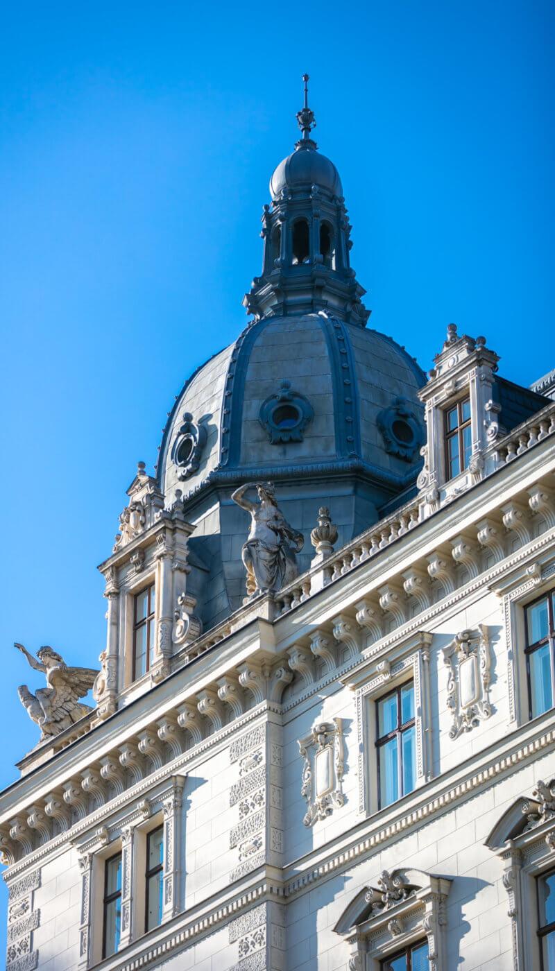Rathausplatz 8-107